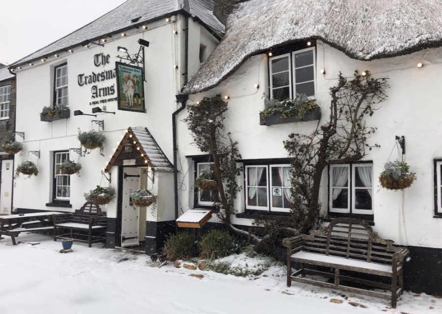 The Tradesman's Arms in the snow
